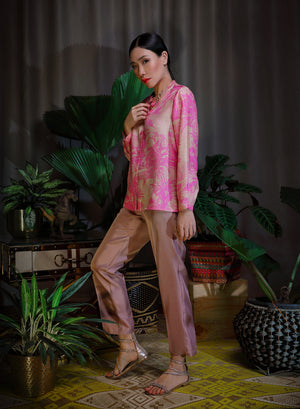 Katyusha cocoa simple pants and pink sand blouse