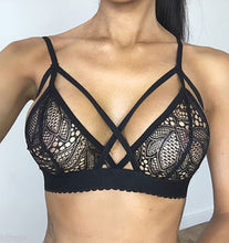 Load image into Gallery viewer, Black Sports Bra  Cross Cropped Tops