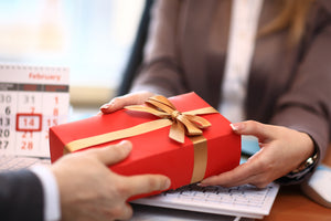 7 UNFORGETTABLE CUSTOMER GIFTS THAT WILL MAKE YOU IMPRESSION
