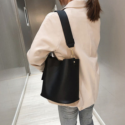 Janise Bucket Tote Bag