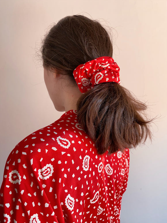 Scrunchie rosso paisley
