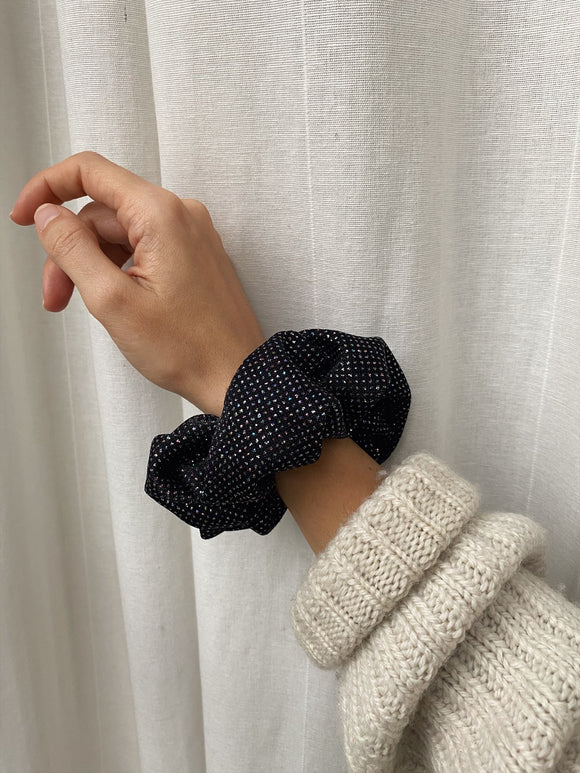 Scrunchie nero brillantini arcobaleno