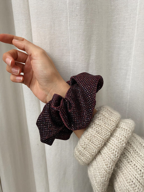 Scrunchie bordeaux con brillantini
