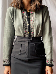 Cardigan color menta con ricami