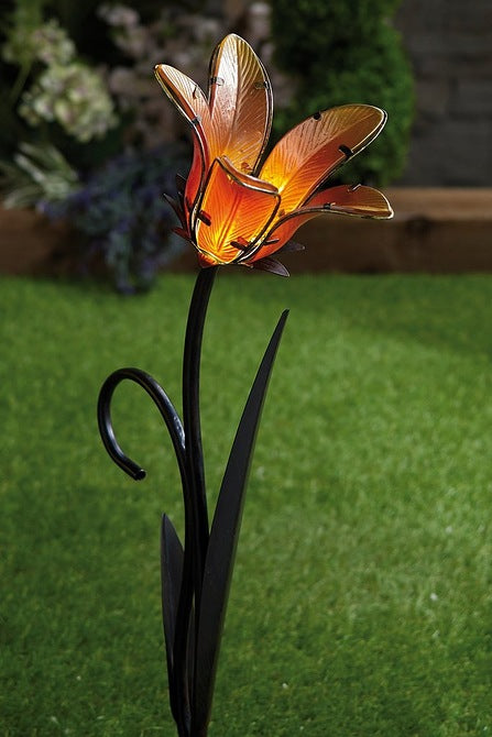 Solar Metal and Glass Lily - Mayflower Furniture