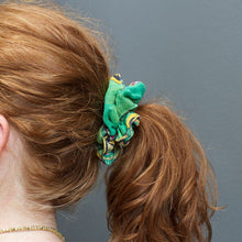 Load image into Gallery viewer, Sari Chic Scrunchies