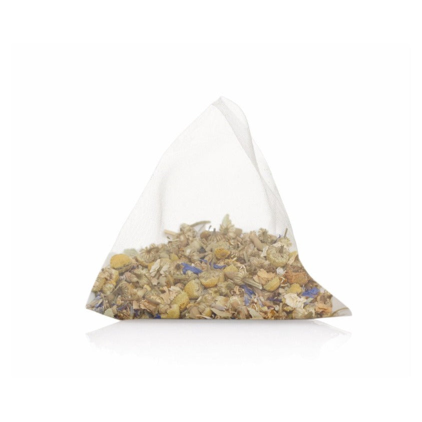 Night Owl whole leaf tea bag with camomile flowers, lavender, valerian root, limeflowers, rooibos and corn flowers.