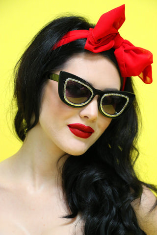 Glamour Puss Sunnies in Black