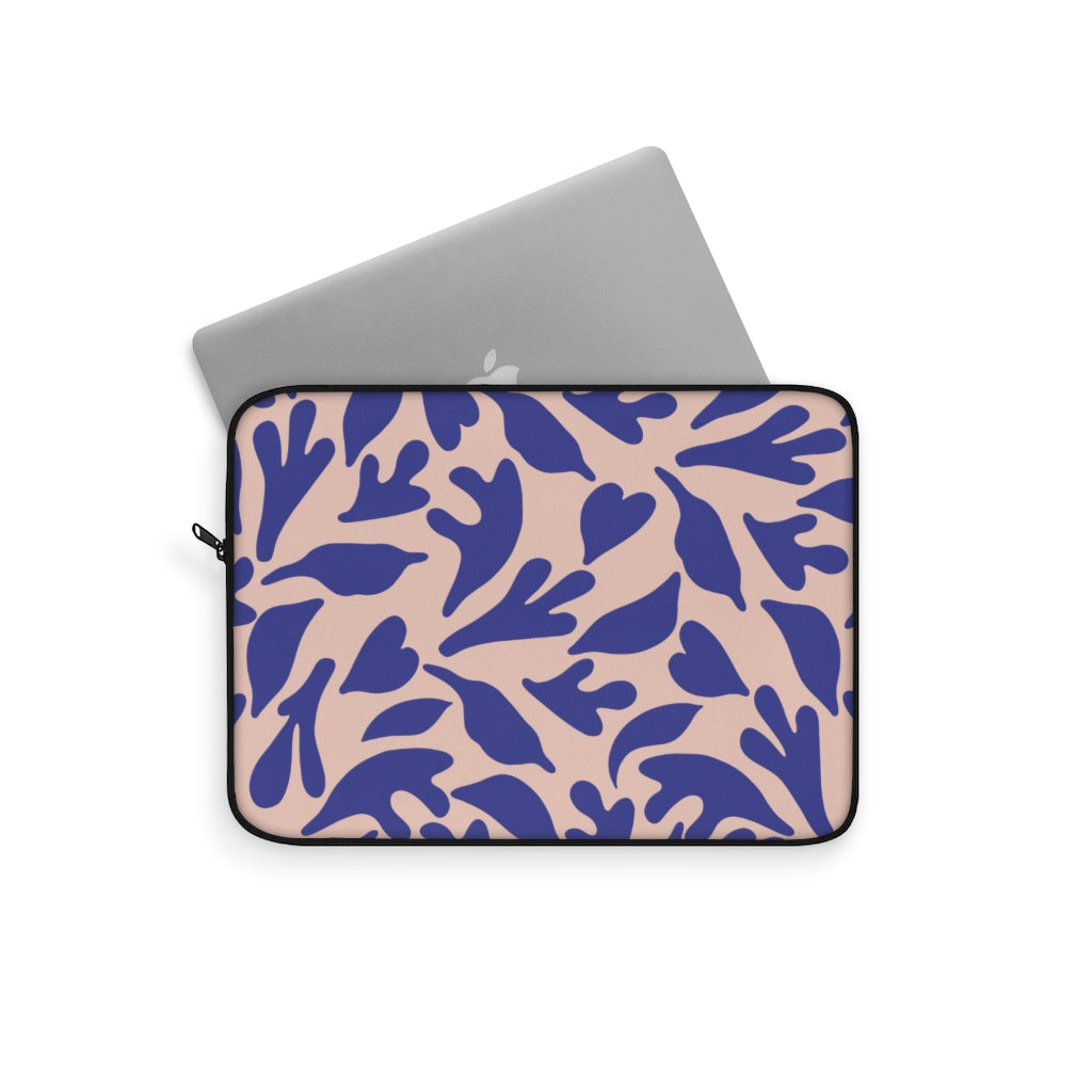 CUT OUTS LEAFS V2 LAPTOP SLEEVE