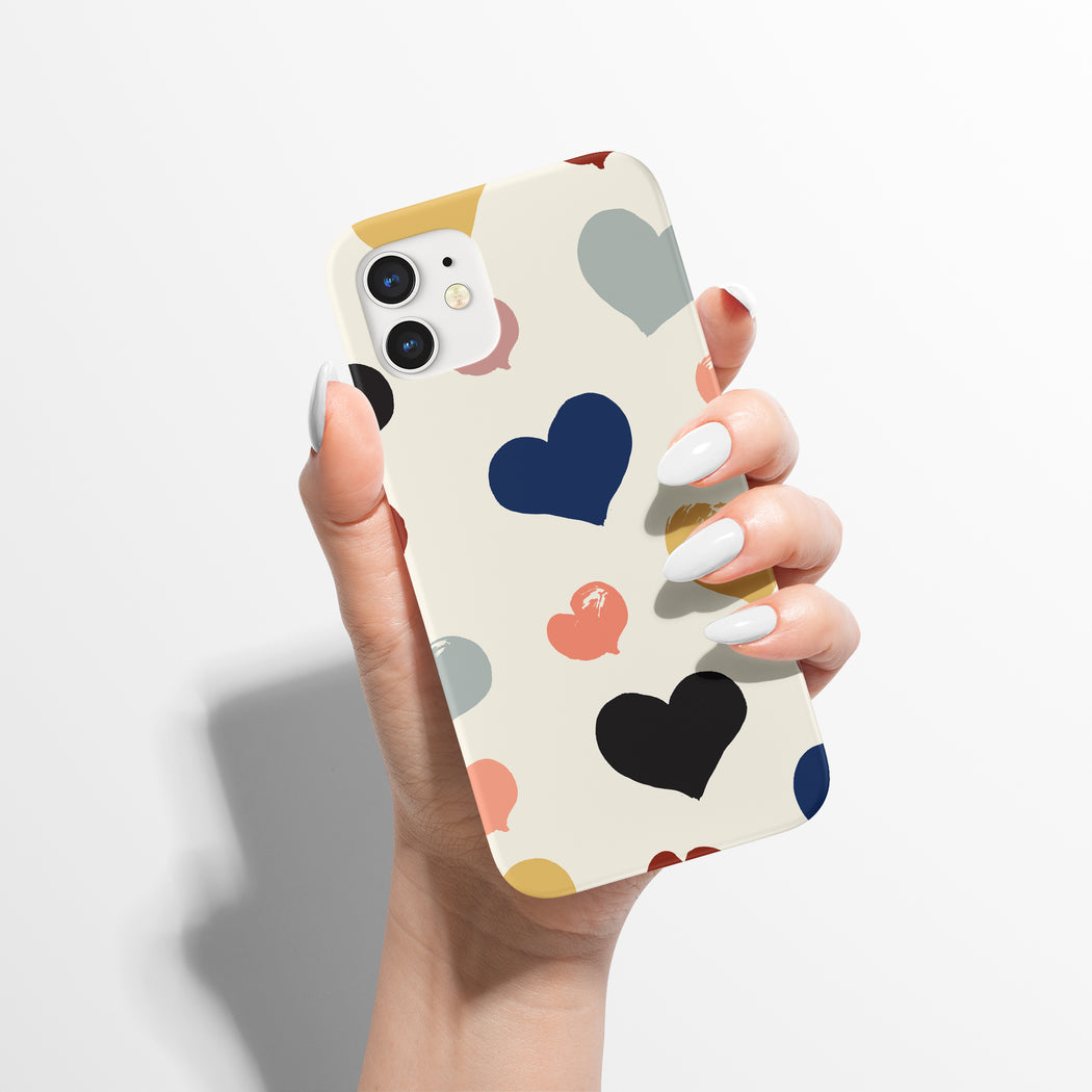iPhone Case with handdrawn pattern of hearts