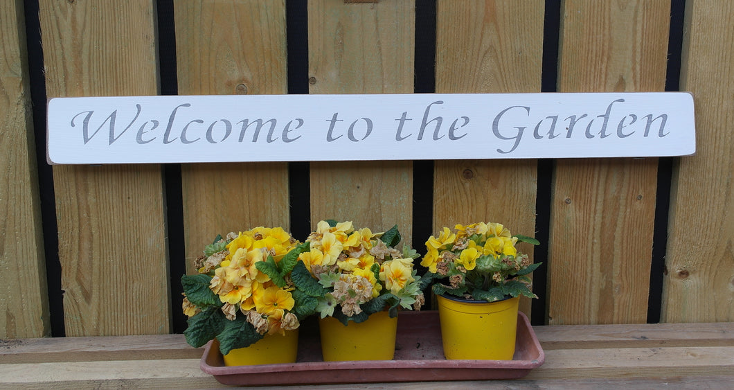 British handmade wooden sign Welcome to my Garden