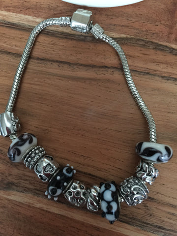 Add A Bead Bracelet Black, Butterfly, Heart, & Flower Sz 8