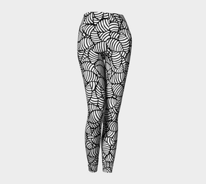 The Gnocchi Leggings in Black and White-Clash Patterns