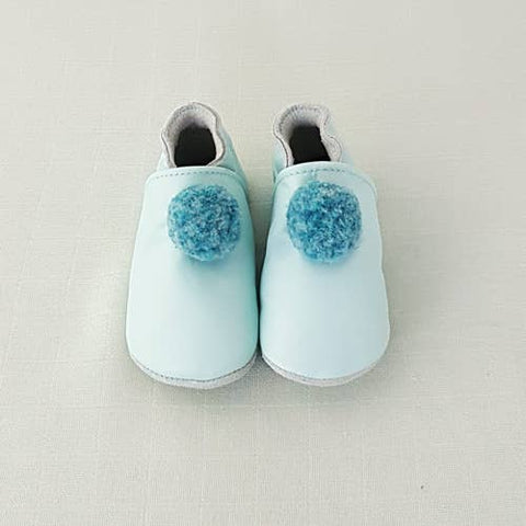 LAIT ET MIEL - Baby leather slippers - Blue Pompom 6-12m