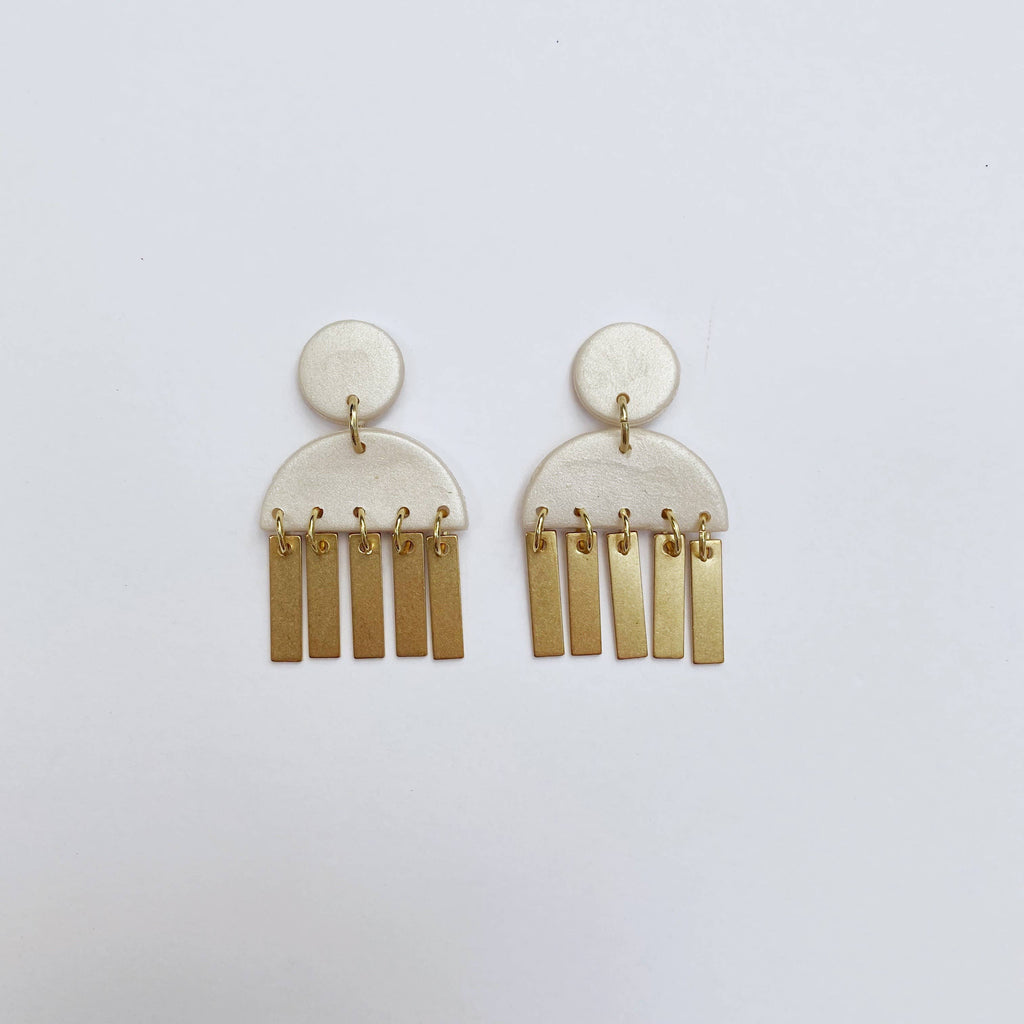 Like Wildflower - Harper Studs - Pearl with Brass Drops