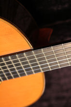 Load image into Gallery viewer, Francisco Esteve / 8 (Cedar) / Classical Guitar