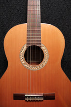 Load image into Gallery viewer, Kremona / S-65-C (Cedar) / Classical Guitar