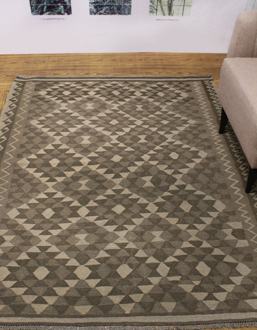 "Winchester Hormisda Ivory/Brown Rug, 5'3"" x 6'5"""