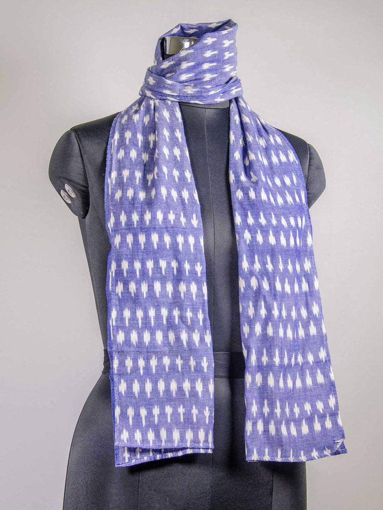 Handloom ikat scarf in Indigo and White