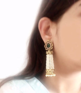 Ikasiya Green Kundan Chandelier Earrings with Pearls