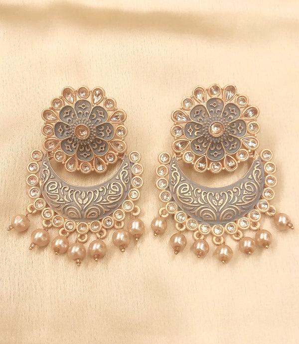 Ikasiya Kundan Grey & Gold Chaandbali Earrings