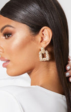 Load image into Gallery viewer, Ikasiya Square Textured Gold Earrings