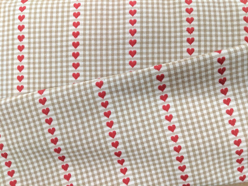 Hearts and gingham heavyweight cotton fabric - 1/2 mtr