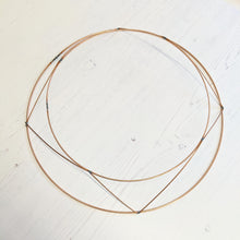 Load image into Gallery viewer, Copper wire wreath frame - 30cms