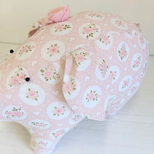 Load image into Gallery viewer, Rosey Posey Pig sewing kit