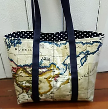 Load image into Gallery viewer, Oil Cloth Tote Bag Pattern