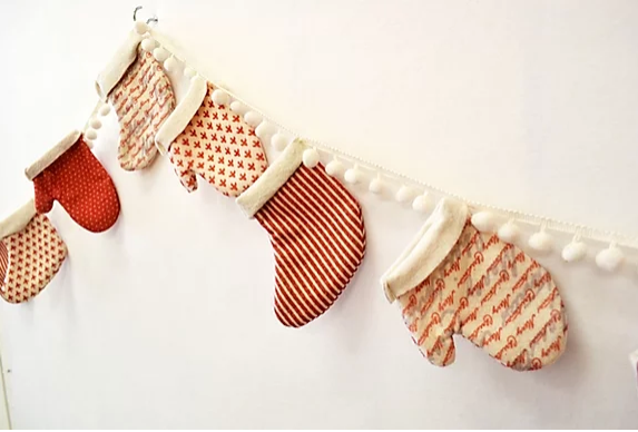 Mittens and Stockings Bunting Pattern