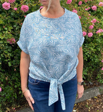 Load image into Gallery viewer, Sophia Top Pattern (sizes 10-28)