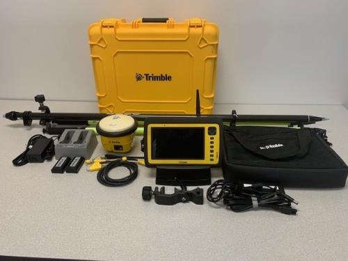 Trimble SPS985 with YUMA 2 Tablet SCS900 Rover Kit | 1375