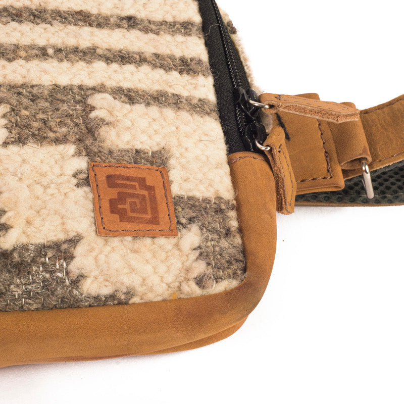 Handmade natural wool and leather belt bag zaculeu Achiote brand