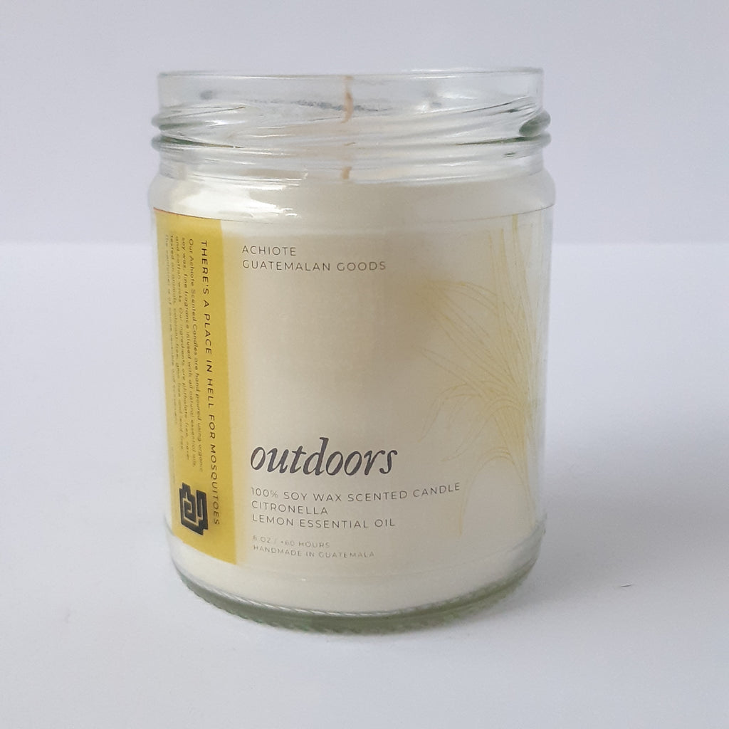 Soy-wax-scented-candle-glass-jar-Achiote-Outdoors