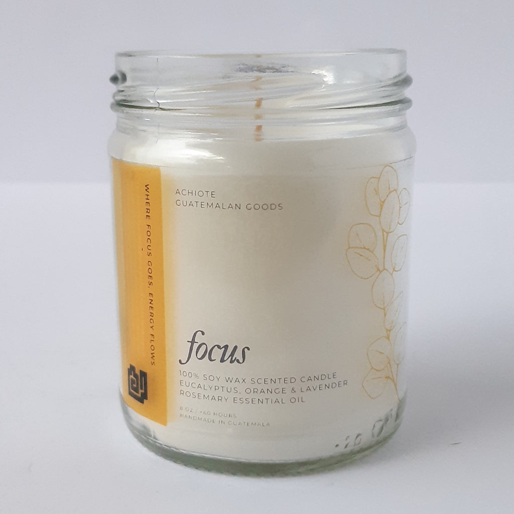 Soy-wax-scented-candle-glass-jar-Achiote-Focus