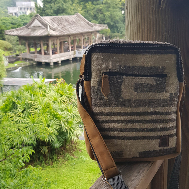 handmade natural wool and leather traveler bag Tawian national museum park