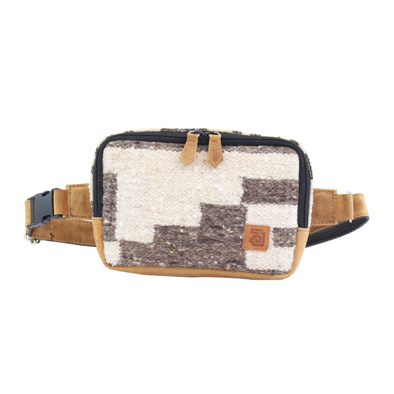 handmade natural wool and leather belt bag zaculeu front