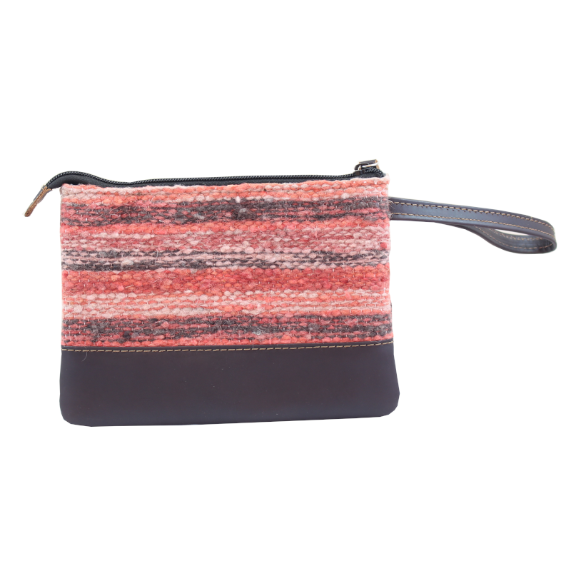 Handmade natural wool and leather pouch bag Jaspe Coral back