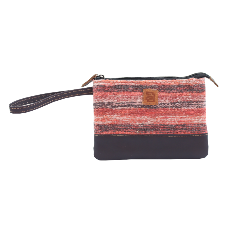 Handmade natural wool and leather pouch bag Jaspe Coral front