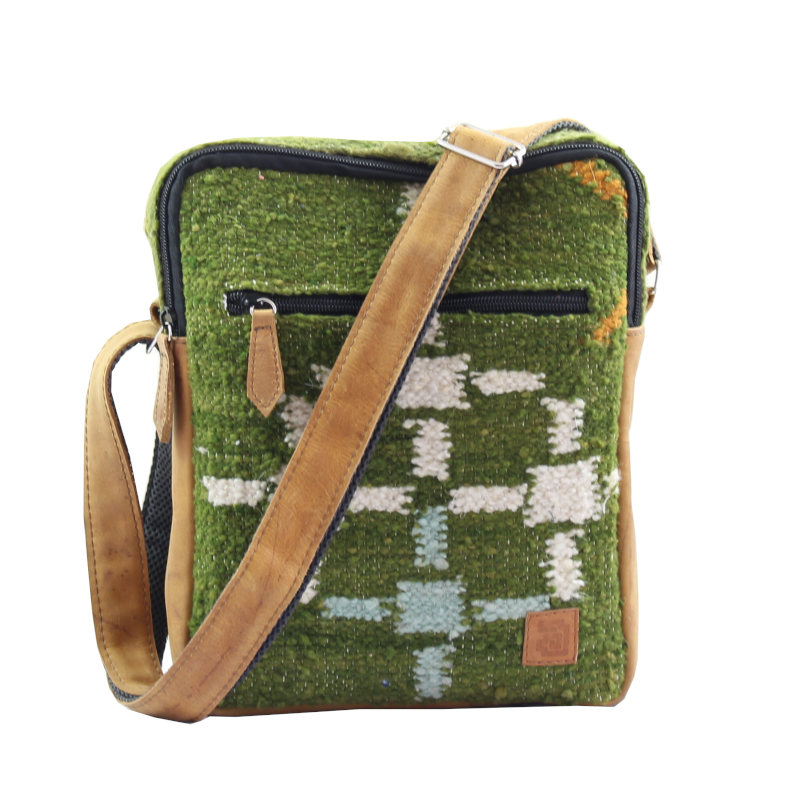 Handmade natural wool and leather traveler bag aire front