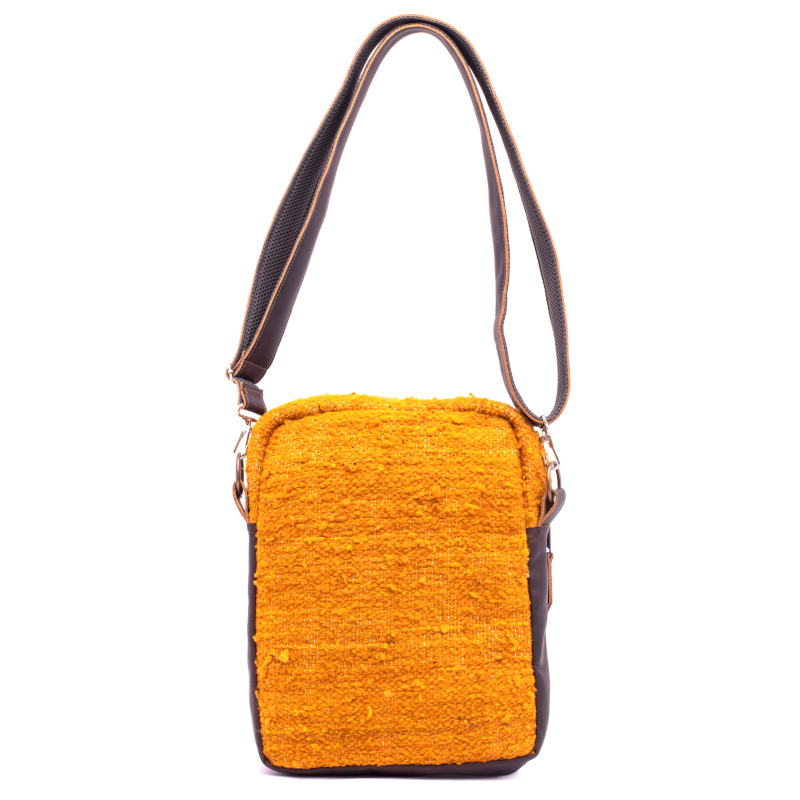 Handmade natural wool and leather traveler fuego back