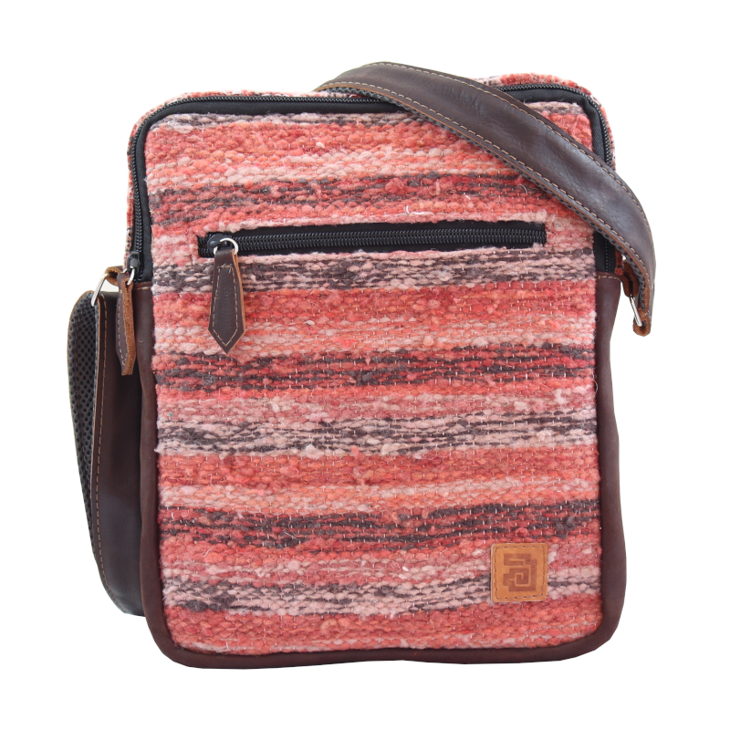 handmade natural wool and leather traveler bag jaspe coral front