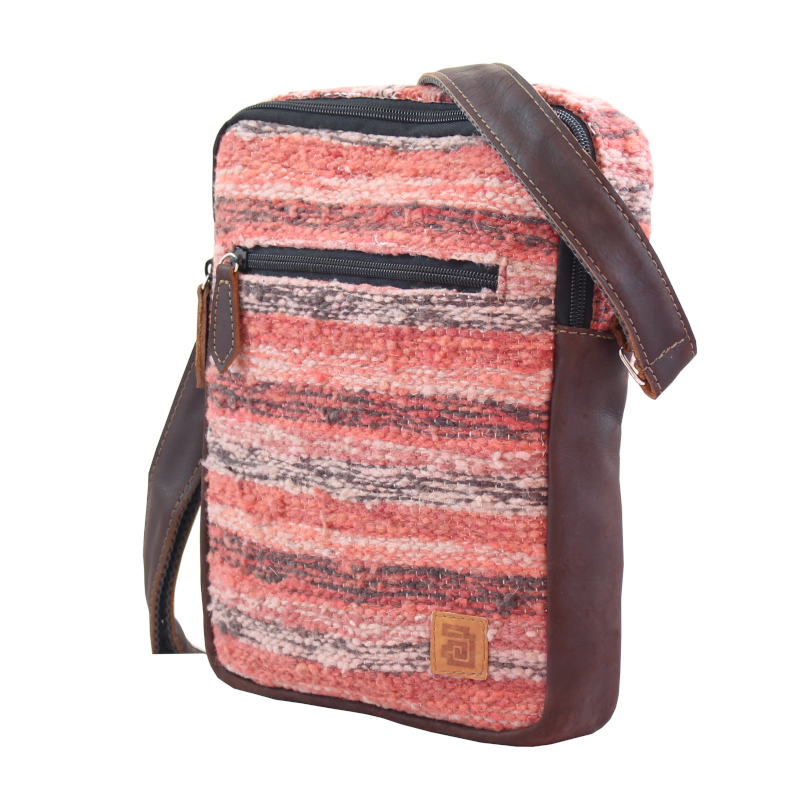 handmade natural wool and leather traveler bag jaspe coral side