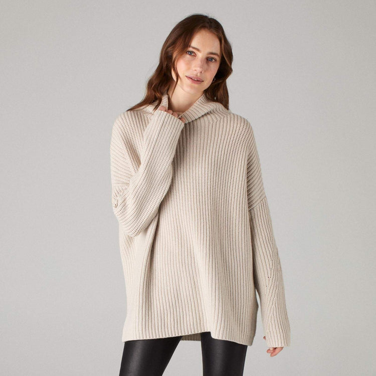 Oversized Ribbed Wool Cashmere Turtleneck Pebble
