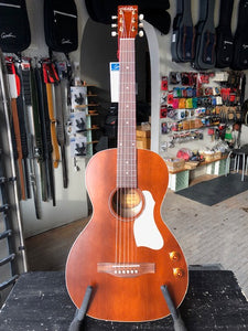 Art & Lutherie Roadhouse Havana Brown Q-Discrete SF
