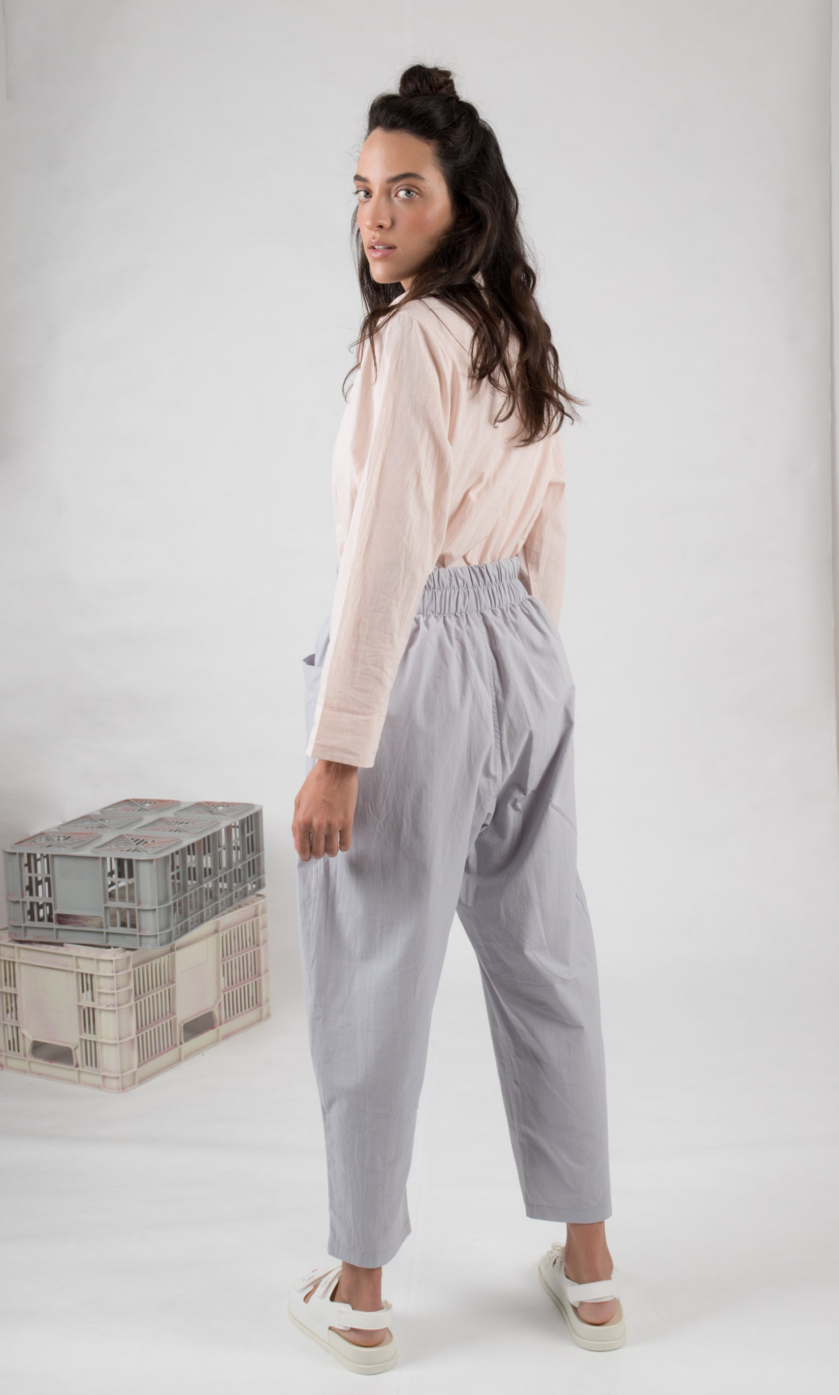 PALE GRAY baggy pants