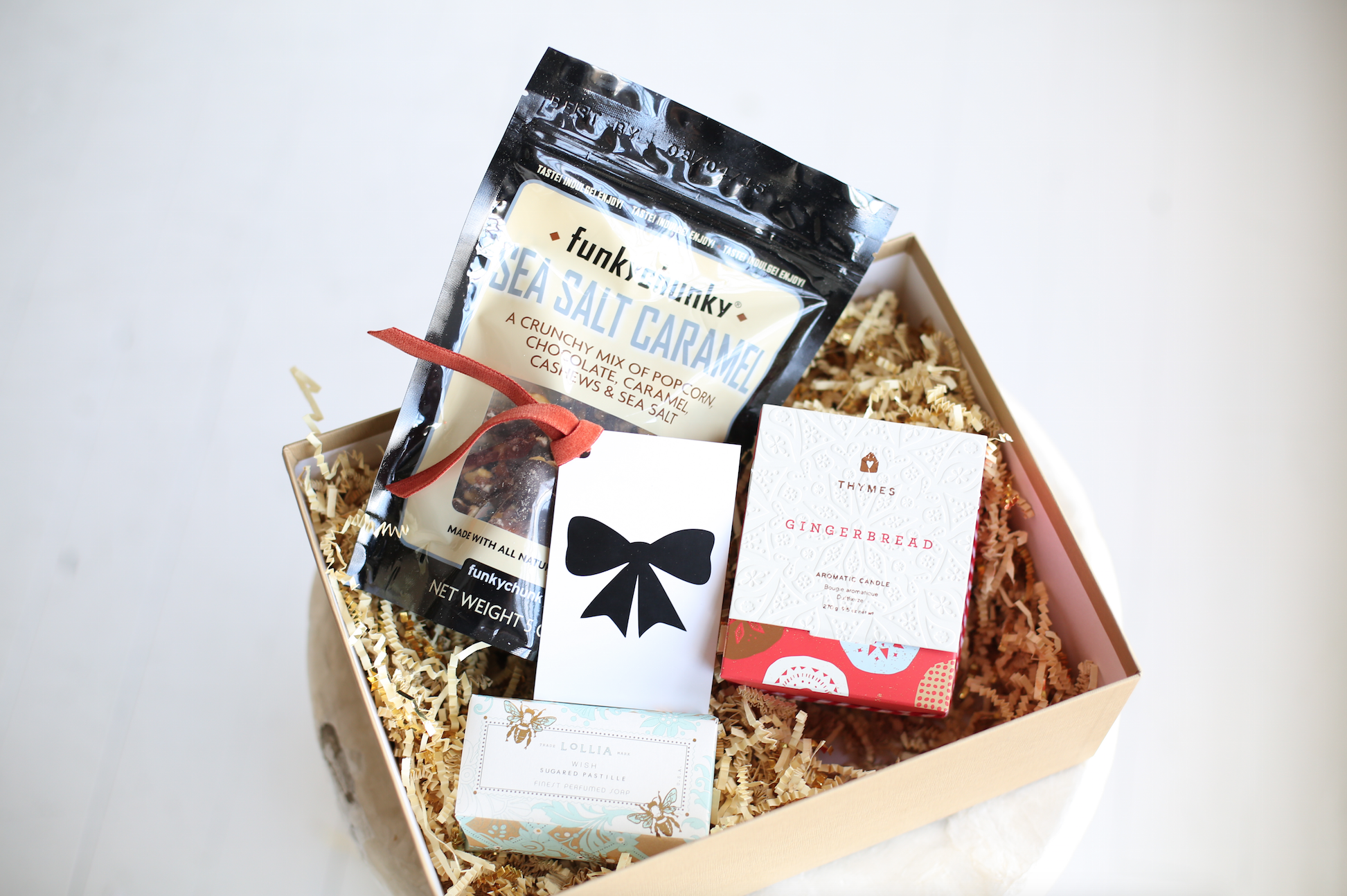 Unique Holiday Gift Basket from VelvetCrate — Christmas Gift Ideas