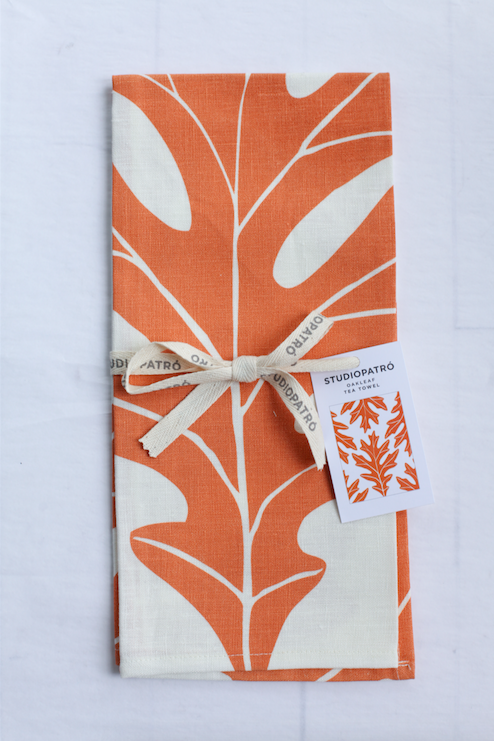 Studiopatro Oak Leaf Tea Towel - VelvetCrate