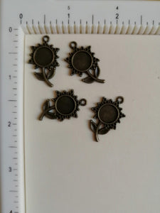 Metal Charms - Flower, 4 Pieces